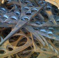 新疆金业大量供应精炉料,出售铸造凯发娱乐用普碳钢,规格:30--70CM,厚度:大于10mm