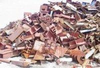 本公司长期收购临近地区洁净炉料.板边料、重废.、中废、小废、干净压块。
