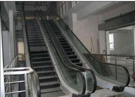 出售电梯导轨及旧电梯配件