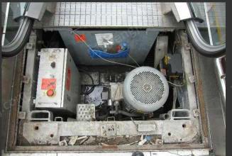 专业回收废旧电梯导轨及旧电梯配件