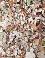 本厂常年专注于pvc壁纸、木纹纸粉碎颗粒并加工多年,常年大量供应粉碎料纯白薄厚小块,杂色大块,可用于