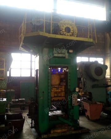 出售二手压力机 俄罗斯250吨闭式单点压力机