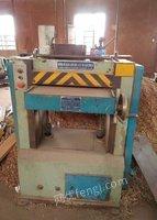 青浦家具厂拆迁停产,打包出售锯刨铣床开榫打眼机等全套木工机器