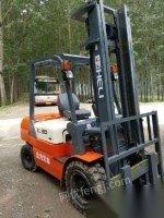 齐齐哈尔二手叉车3台没有使用柴油三吨二手叉车出售