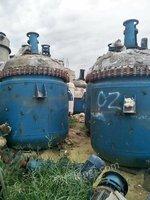 出售不锈钢反应釜,搪瓷反应釜(2-10)吨