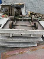 出售砖厂砖车,每台约400斤,尺寸1*1.4米