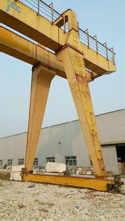 出售二手龙门吊32吨跨度25米,升高10米