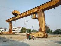 低价处理32/5吨龙门吊行车2台 跨度30米各悬7.5米 2013年生产