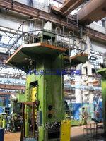 出售俄罗斯250吨闭式单点压力机、9成新、少用