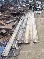 出售18的槽钢,3米4米都有,10吨货,价格电联