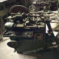 低价出售扭簧机三台压簧机一台