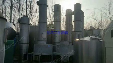 各种型号规格,化工制药设备低价处理。