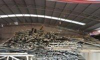 因工地停工,大量施工用品,模板,方木,竹把,钢筋,搅拌机,低价处理