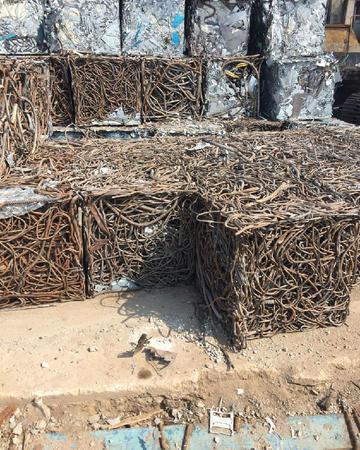 回收大量废钢钢筋