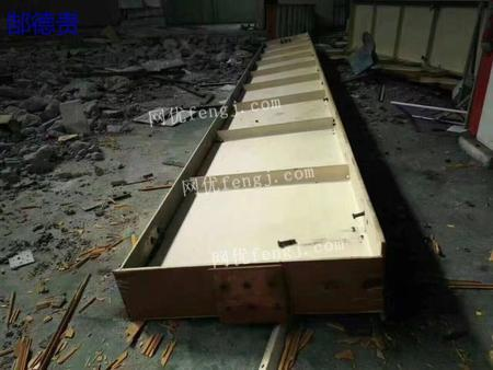 出售1.1米高.9米厂行车梁,9.9成新,过磅2100/吨