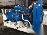 出售二手一台700kw原装进口帕金斯发电机组