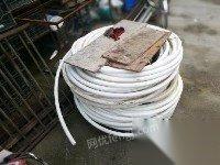 九成新的深水泵,电线,300米塑料水管出售