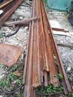 回收大量24钢轨、38轨、43轨、槽钢18、20、25、工字钢200、250、300、350