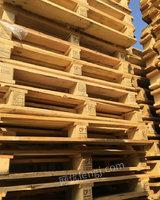 回收大量木托盘包装箱