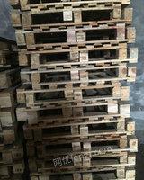 出售大量木托盘塑料托盘