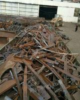 回收大量钢筋压块