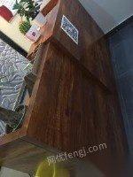 九成新实木前台桌出售