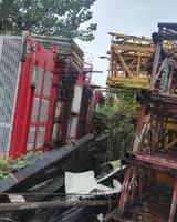 出售施工电梯是14年100米高