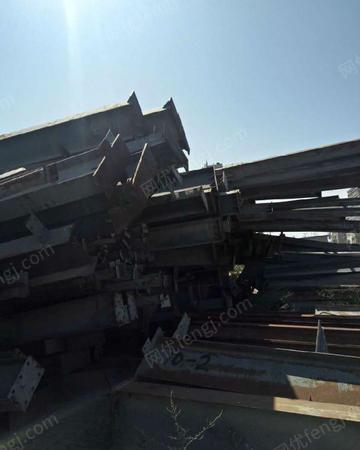 新疆回收钢材工字钢槽钢钢筋,钢板,角钢等