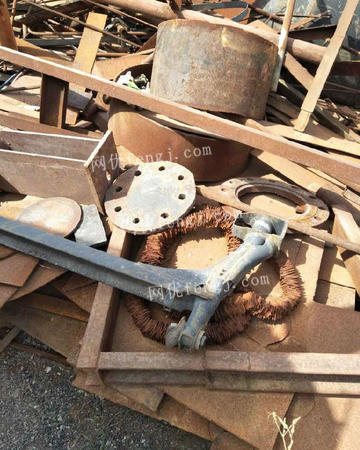 新疆回收废旧物资废铁铜铝U型钢,槽钢,破产工矿等