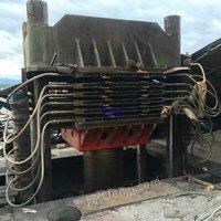 市场现货900吨1350吨平板硫化机