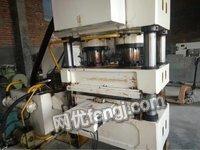 2012年温州诚泰315吨压力深压纹机。