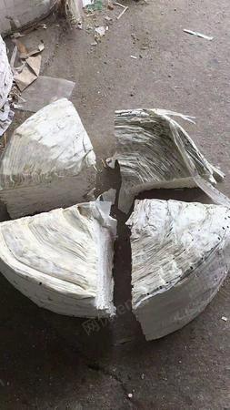 出售打包好的不干胶纸70吨,还有各类废纸,需要的联系