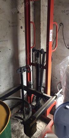 手动液压油桶升高车圆桶堆高车搬运装卸 出售