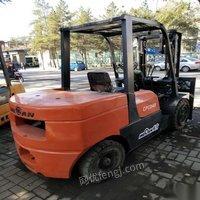 低价出售威肯四吨叉车 37000元
