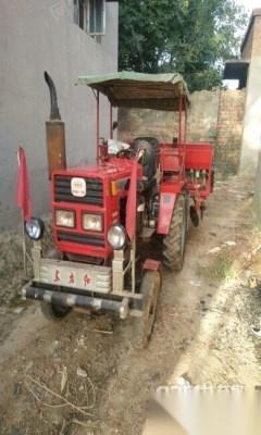 转让库存爱车,东方红拖拉机头,带一个小麦播种机