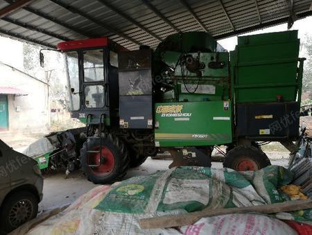 处理旧洛阳一拖生产玉米收割机