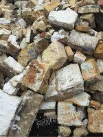 专业收购各种高底档耐火料,镁砖,钢玉,碳化硅