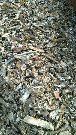 我司长期大量回收废钢、工业下角料