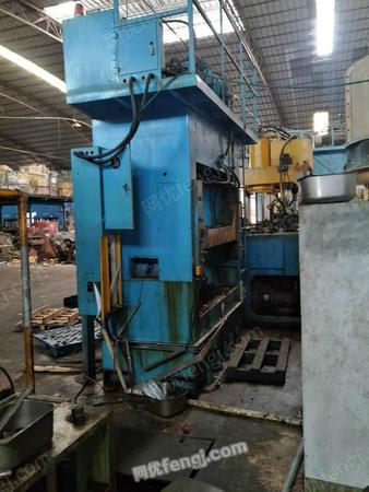 出售科力液压机350吨2台