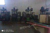 转卖40吨油压机低价