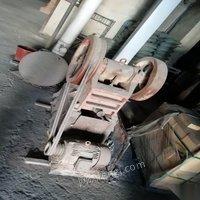 出售破碎机尺寸150×250一台粉碎机一台