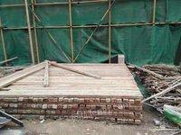 本人常年 收购建筑工程木方模板跳板圆木劈柴等库存木料