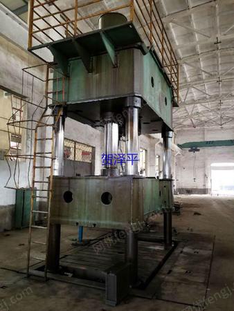 出售工作台面2.4米X3米徐州8.5成新