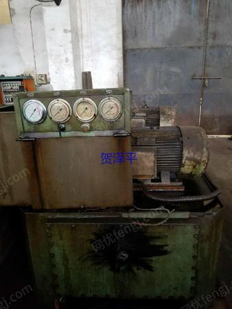 出售8.5成新工作台面2.4米X3米徐州