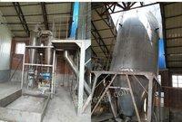 化工公司处理1吨蒸汽锅炉、3吨化料罐1套、过滤机、500公斤蒸发塔、螺杆泵、振动筛等喷料设备1套等泡花碱设备 有图片