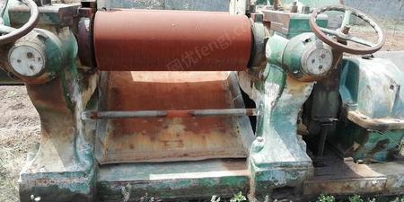橡胶加工厂处理16寸炼胶机、16寸精炼机、2-3台100吨平板硫化机  朋友厂也有硫化机处理 有图片
