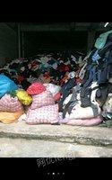 求购上门旧衣服、鞋子、包包、帽子、床上用品及窗帘等