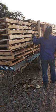 出售木托盘