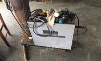 保护焊机修复机液压顶。