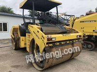 江苏徐州出售原装进口宝马203双钢轮压路机